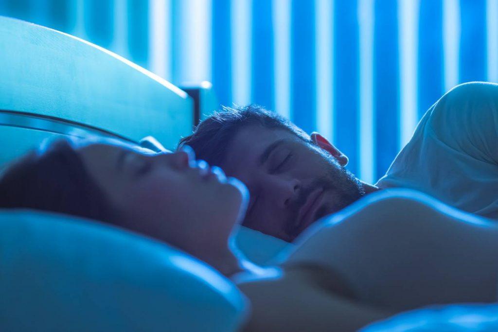 Les indispensables pour retrouver le sommeil : la qualité des luminaires