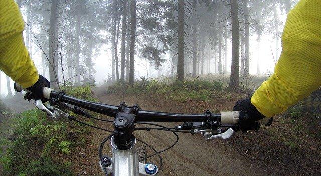 Vélo tout terrain en montagne