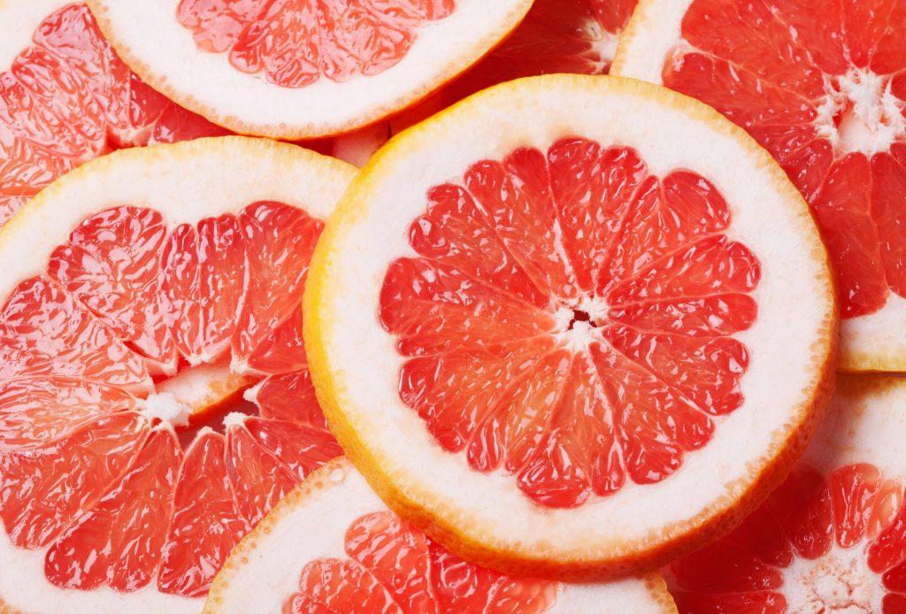 Pamplemousse : les bienfaits de la vitamine C pour votre peau